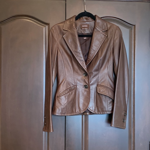 Danier Jackets & Blazers - Danier Brown Leather Blazer Size XS fit Small